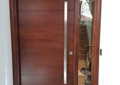 puertas a medida en Madrid, puerta de madera